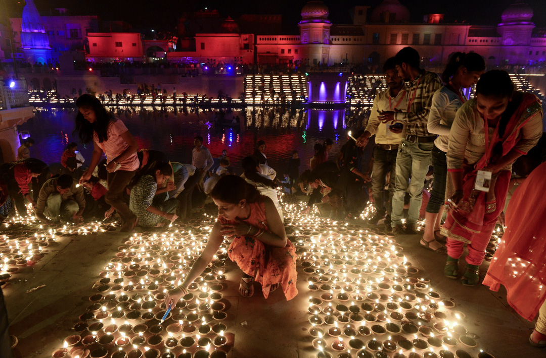 每年排燈節,印度教徒均會前往聖地阿約提亞舉行慶典。 攝:Sanjay Kanojia/AFP via Getty Images
