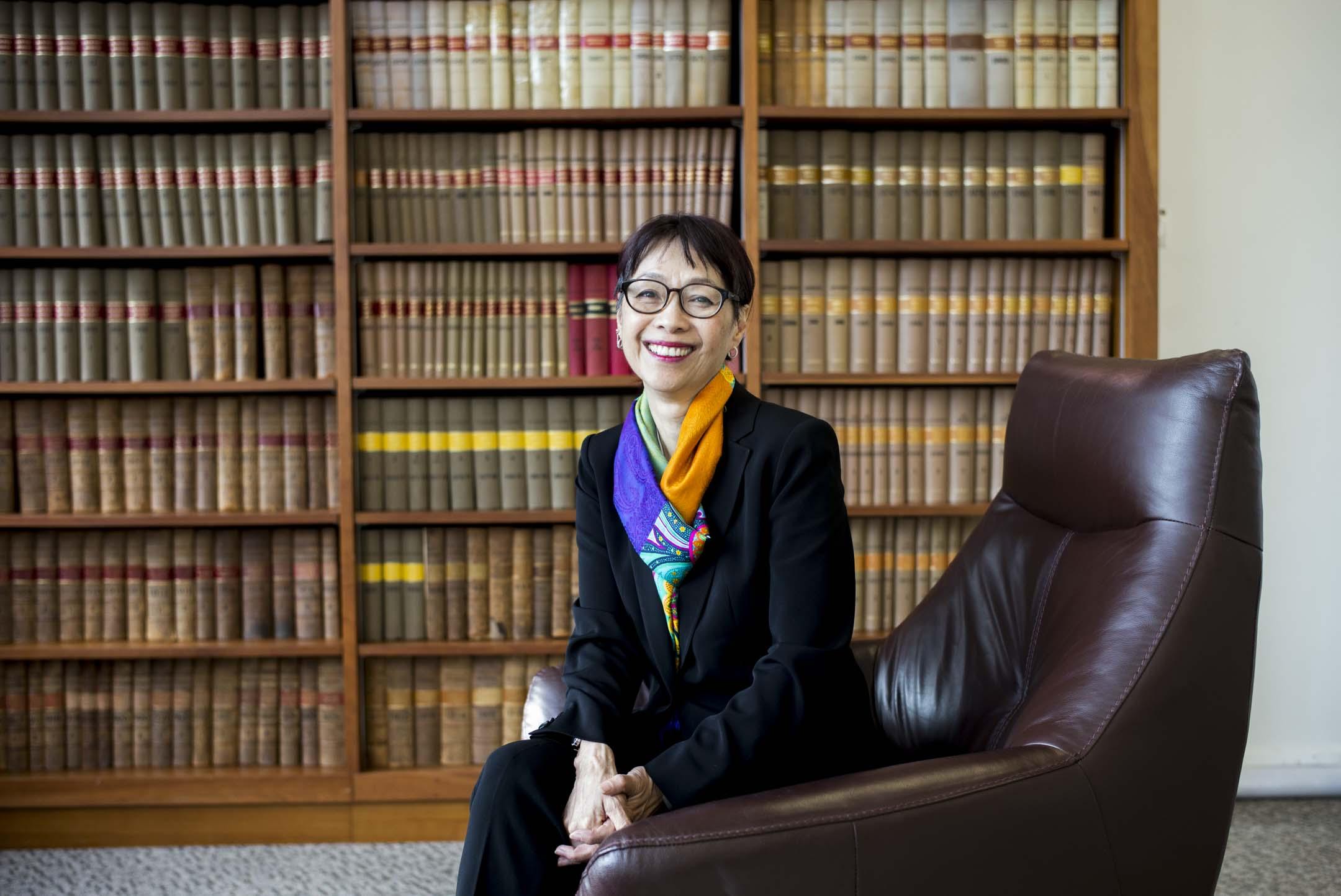 NGO「中國人權」的執行主任譚競嫦(Sharon Hom)以香港大學法律學院訪問教授的身份來回港,是反修例運動爆發以來第二次。 攝:林振東/端傳媒