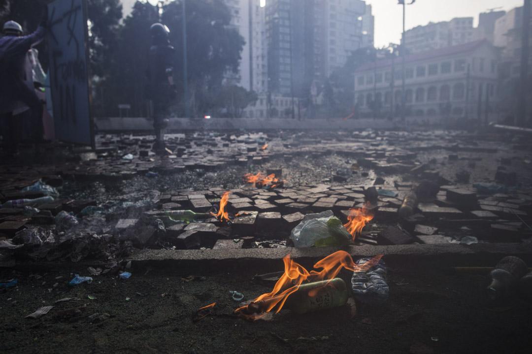 2019年11月17日,理工大學外警民衝突現場。