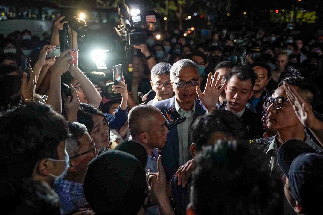 2019年11月4日,香港科技大學校長回應學生周梓樂墮樓事件。