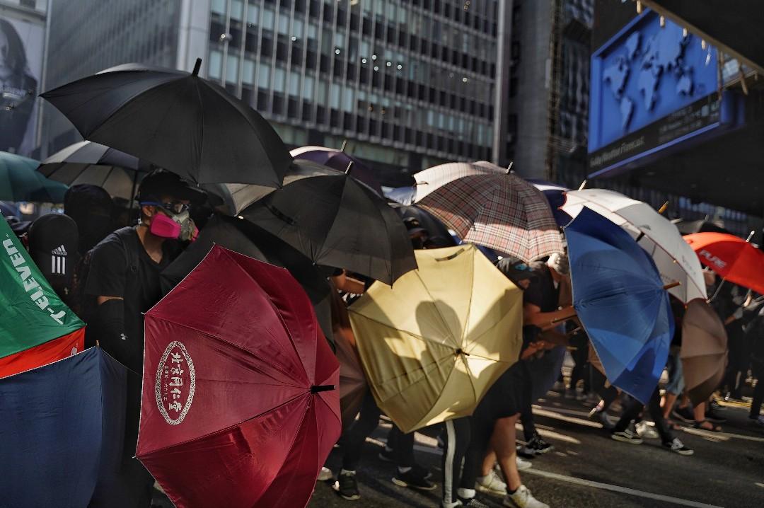 2019年11月12日,市民在中環發起「和你lunch」行動。