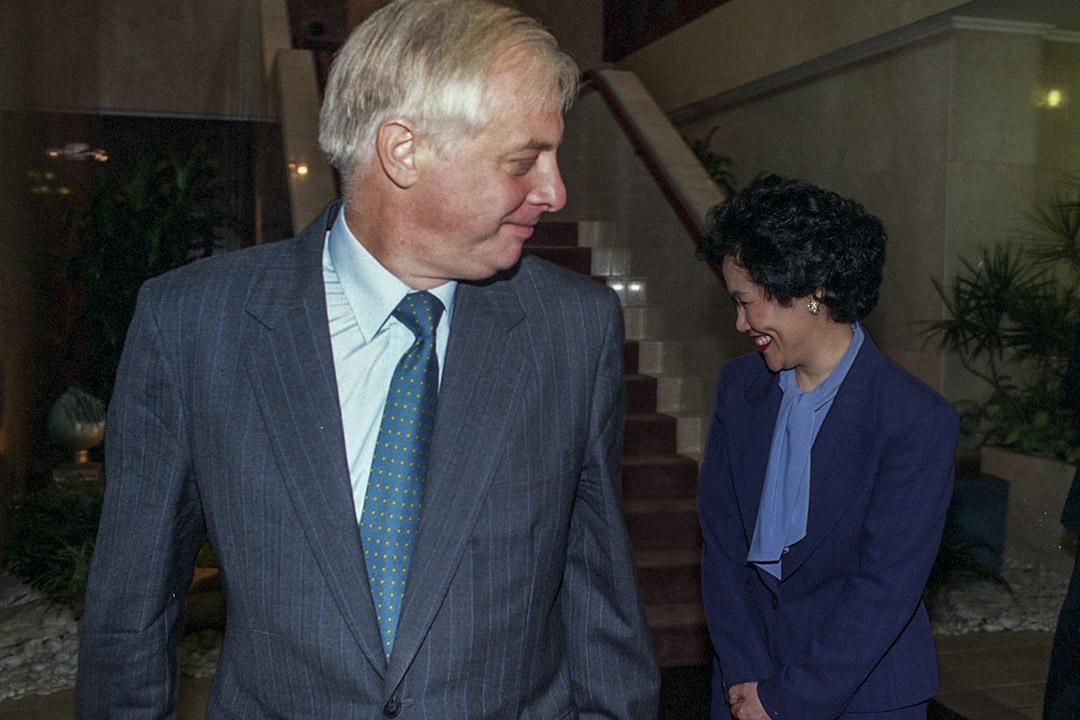 1993年9月21日,陳方安生獲時任港督彭定康委任,接替霍德爵士為布政司,成為了香港開埠以來首位華人布政司,也是唯一一位女性布政司。