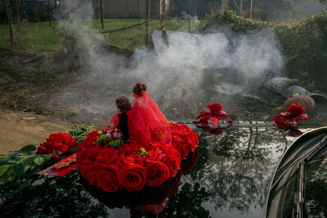 緬甸政府對跨境婚姻非常敏感,曾一度為了杜絕人口販賣而禁止緬甸女性與外國人通婚。