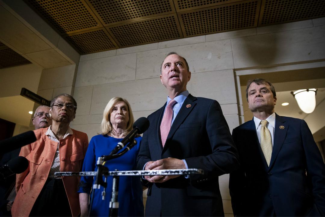 2019年11月6日,美國眾議院情報委員會主席亞當·希夫(Adam Schiff)宣布,下週開始就彈劾特朗普調查舉行公開聽證會。 攝:Al Drago/Getty Images