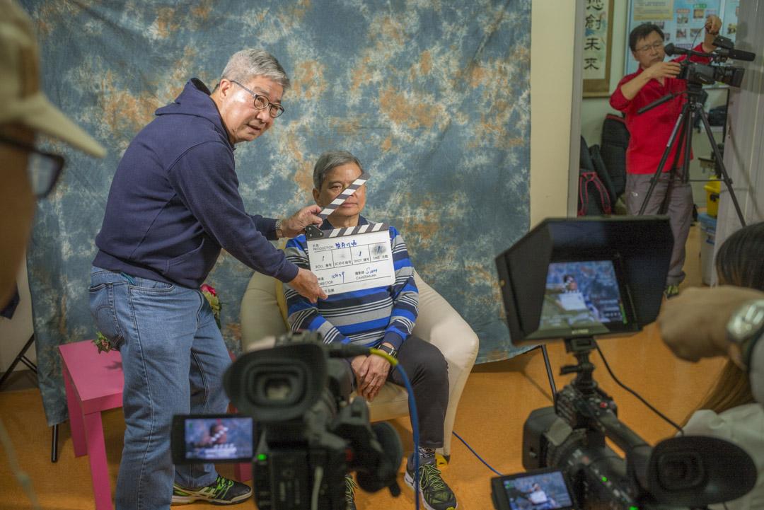 「生前遺言」攝製組正做拍攝前的準備工作。