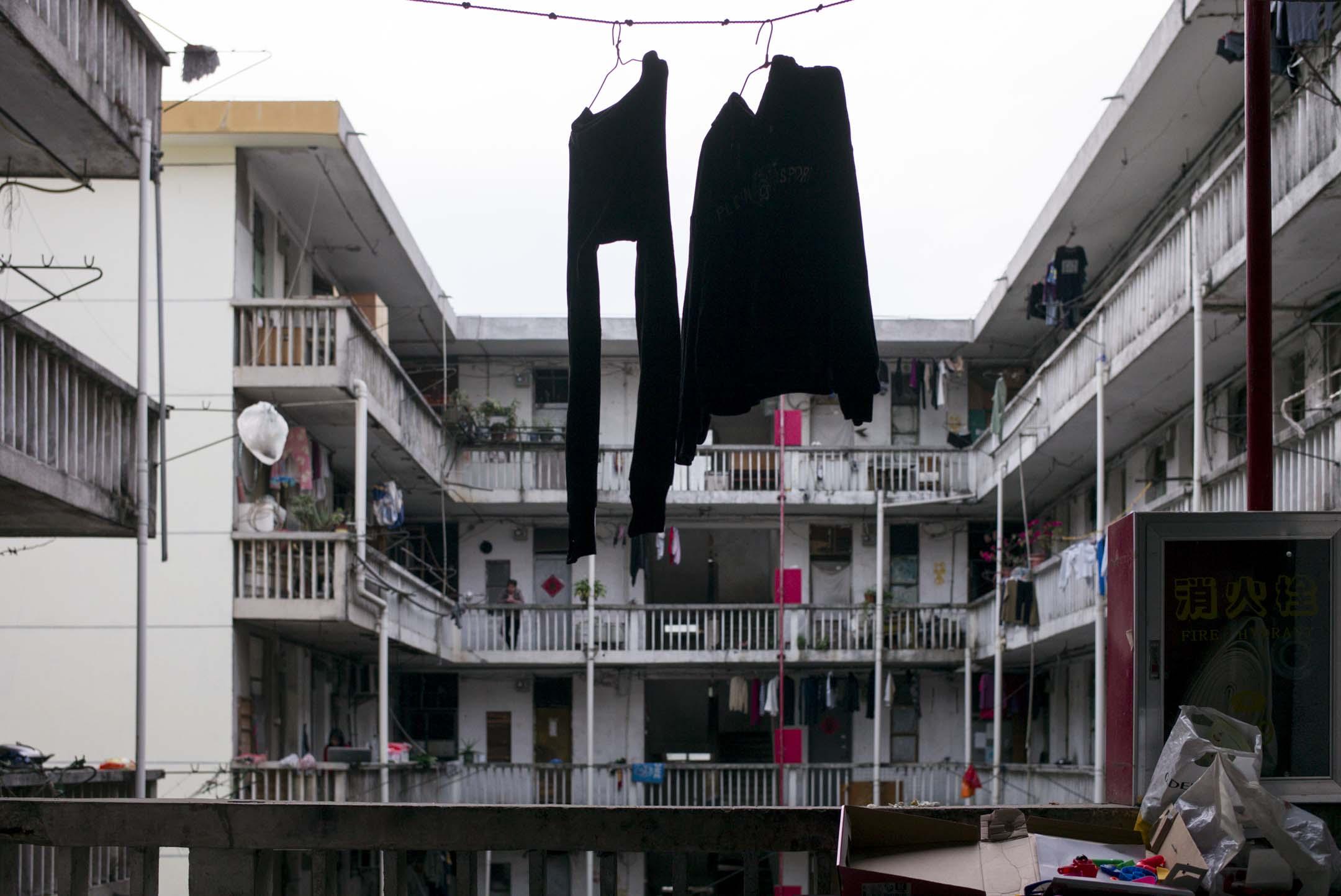 2019年,深圳一個基層居住的樓房。 攝:林振東/端傳媒