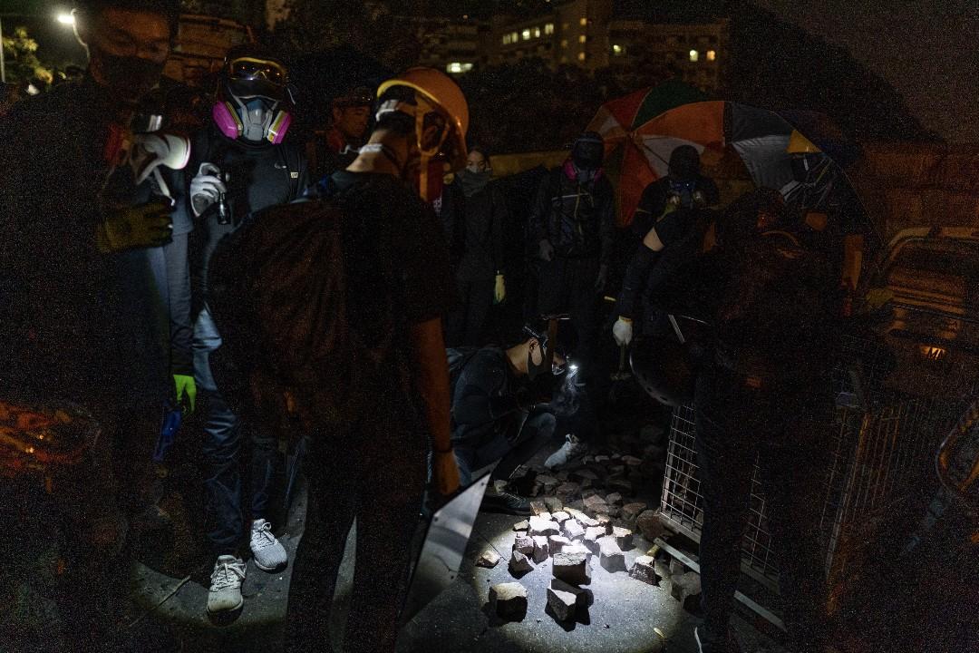 2019年11月13日,示威者繼續留守香港中文大學。