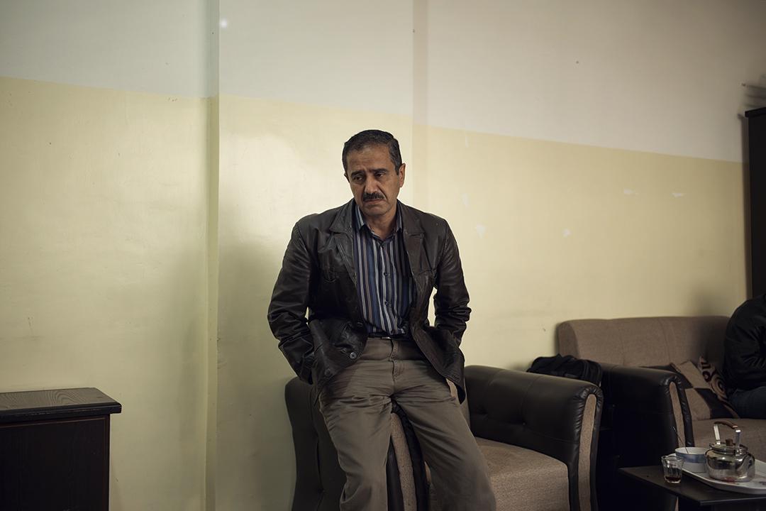 拉卡市政委員會(RCC)重建事務委員阿卜杜拉·阿爾-阿里安,戰前一名經手進出口貨物報關的律師。