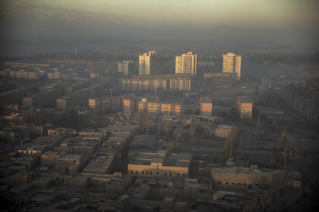 2018年11月9日,中國新疆喀什市被霧霾籠罩著。 圖:Bloomberg