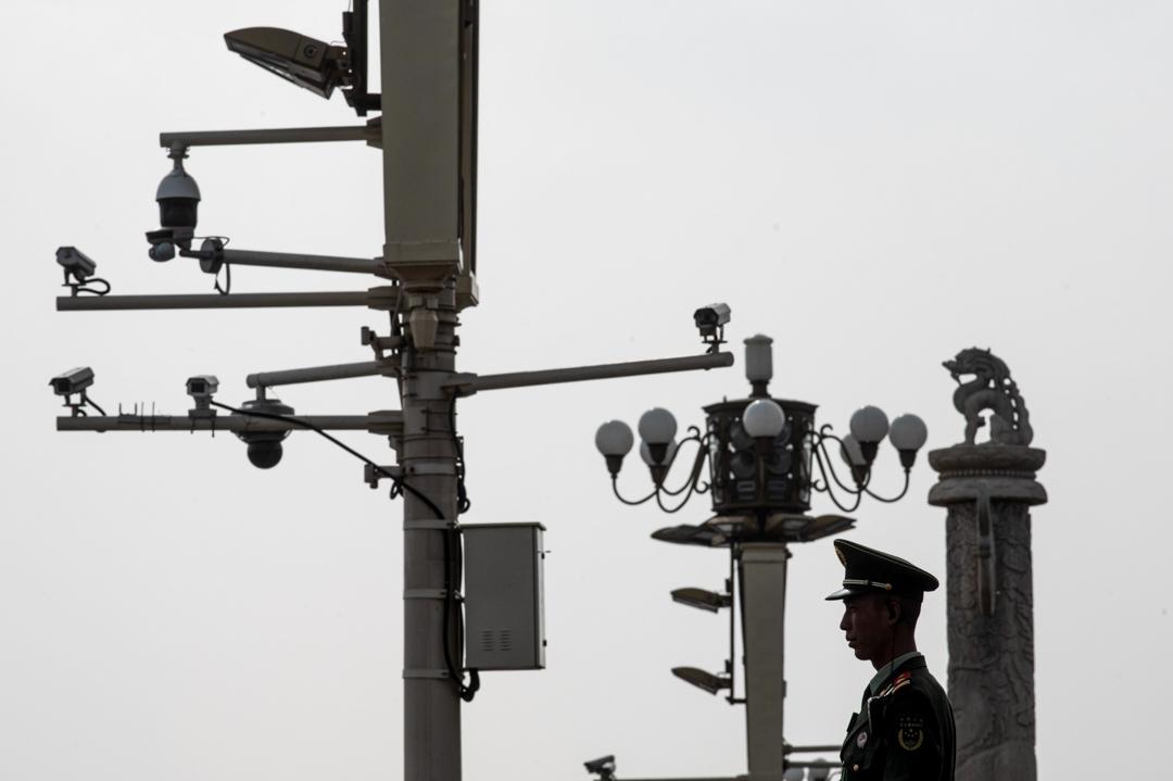 北京天安門廣場布滿監控裝置。