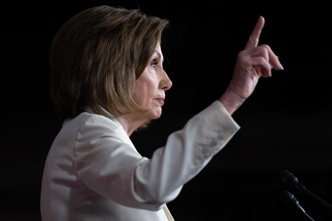 2019年12月5日,美國眾議長佩洛西(Nancy Pelosi)在國會出席記者會。 攝:Saul Loeb/Getty Images