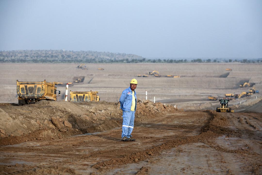 2017年,一帶一路計劃下巴基斯坦塔爾沙漠的一個煤礦場。