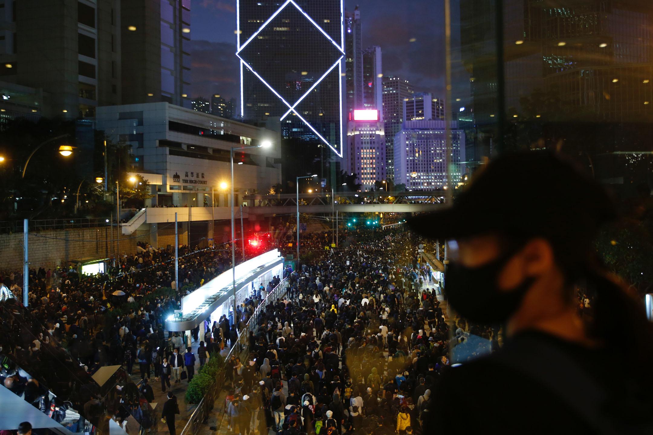 2019年12月8日,民陣發起國際人權日遊行,晚上六點左右,參與遊行的人群。