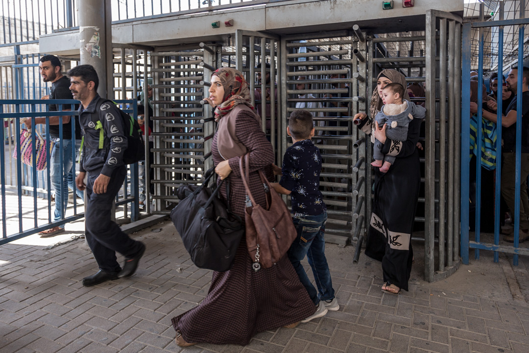 位於卡蘭迪亞,連接耶路撒冷和西岸的安檢屋。