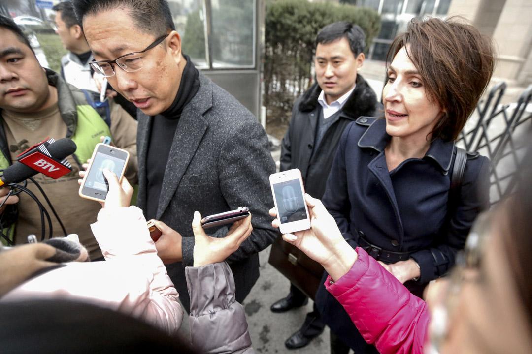 2014年2月13日,李陽與Kim Lee離婚財產糾紛案在北京市朝陽人民法院開庭。