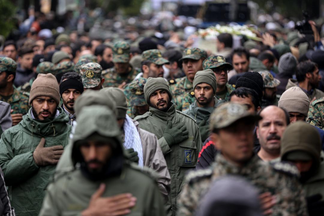 2019年11月20日,伊朗民眾發起遊行,悼念在示威活動中喪命的兩名保安人員。