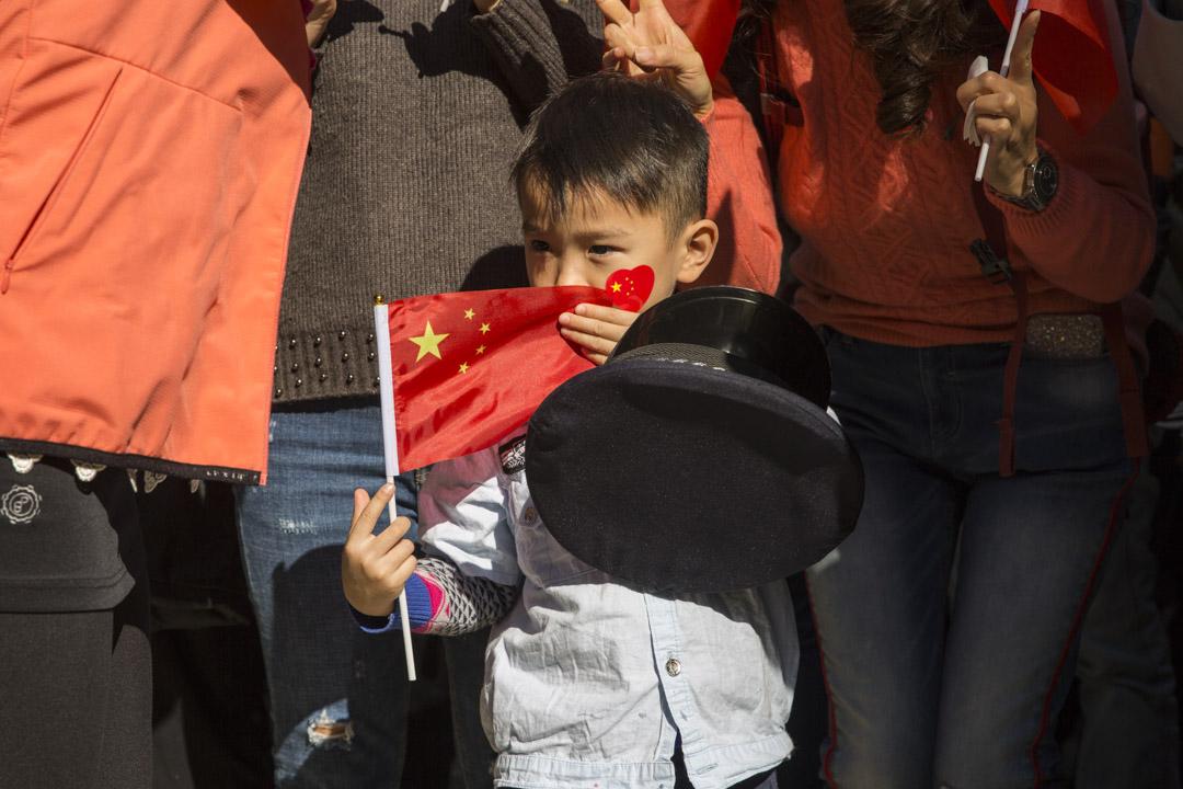 2019年12月7日,愛國團體在灣仔港灣道花園發起集會。 攝:林振東/端傳媒