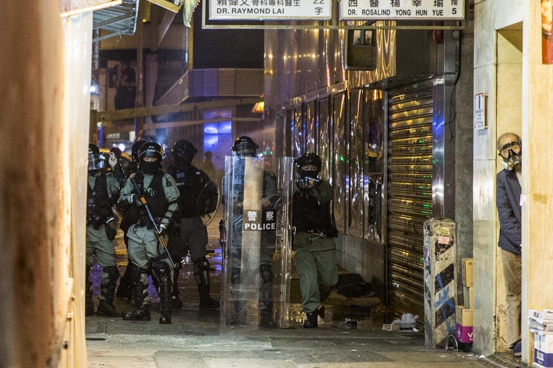 2019年12月25日凌晨,警方在旺角戒備。