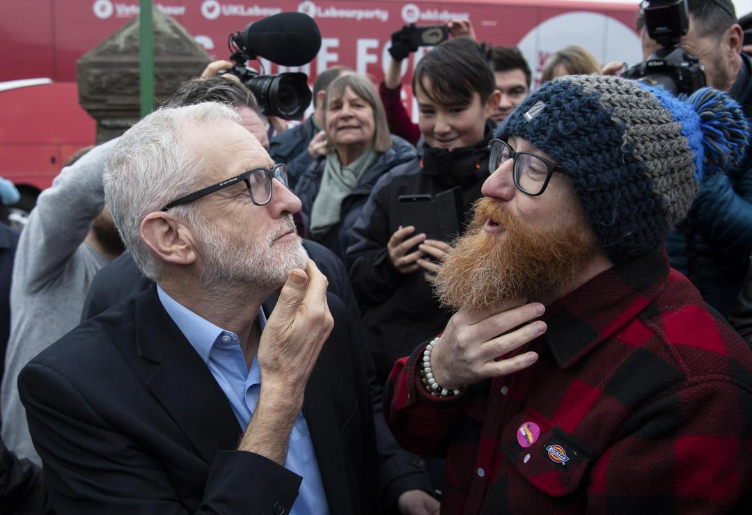 2019年12月7日,工黨領袖郝爾彬(Jeremy Corbyn)抵達威爾士斯旺西的帕蒂閣(Patti Pavilion)進行拉票。
