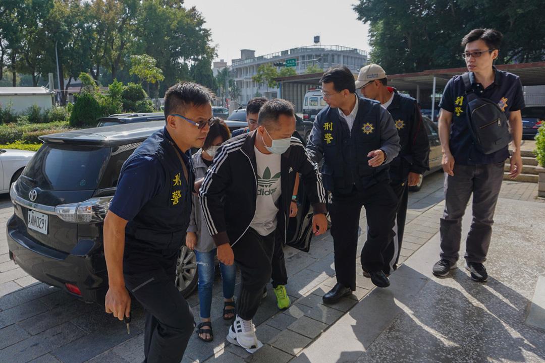 2018年11月21日,金門地方檢察署跨海高雄查獲高雄市長選舉地下賭盤,11月21日將涉案人林姓組頭等5人押解到金門。