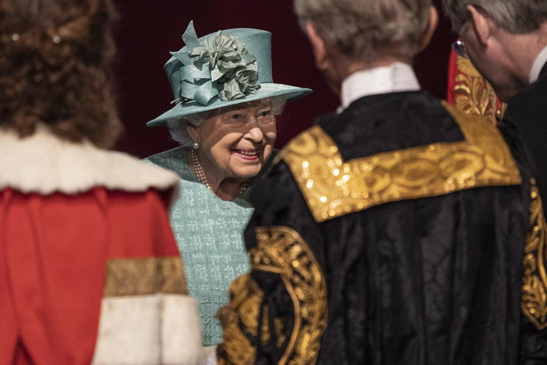 2019年12月20日,英女王伊利沙伯二世(Elizabeth II)到上議院發表御座致辭,闡述由首相約翰遜(Boris Johnson)內閣撰寫的政府施政大綱。 攝:Richard Pohle - WPA Pool / Getty Images