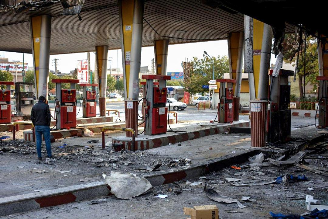 2019年11月17日,因伊朗反汽油加價示威而被破壞的汽油站。