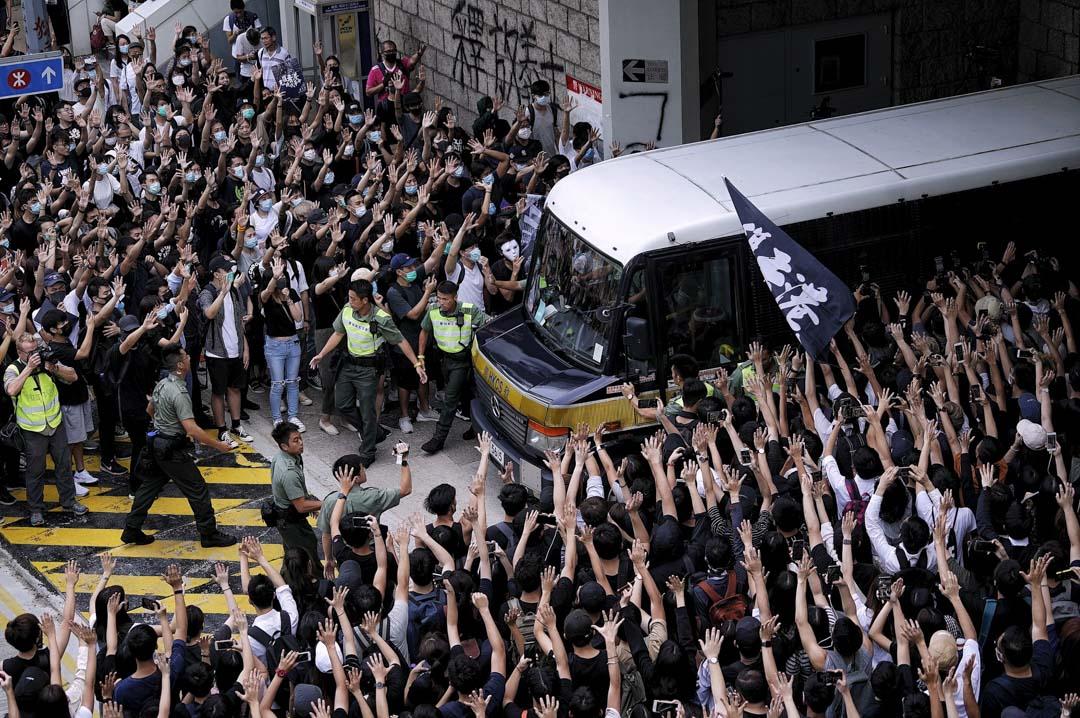 2019年10月9日,市民在高等法院聲援以暴動罪入獄上訴中的梁天琦。