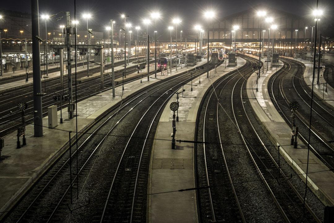 2019年12月5日,法國巴黎北站,列車因車長罷工而停駛,車站空無一人。