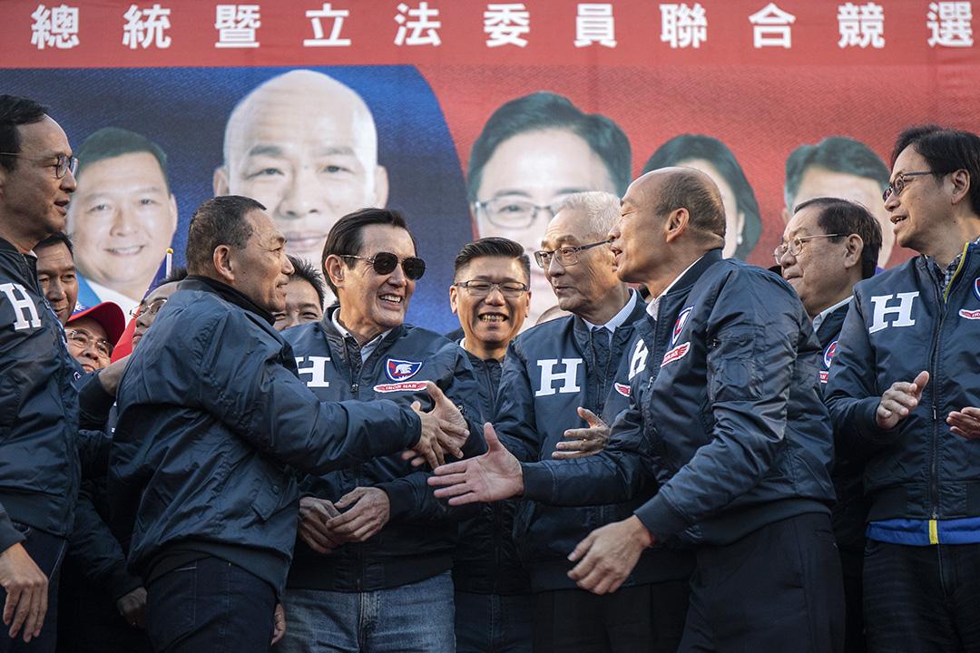 2019年12月9日,韓國瑜與吳敦義在板橋的造勢活動上。