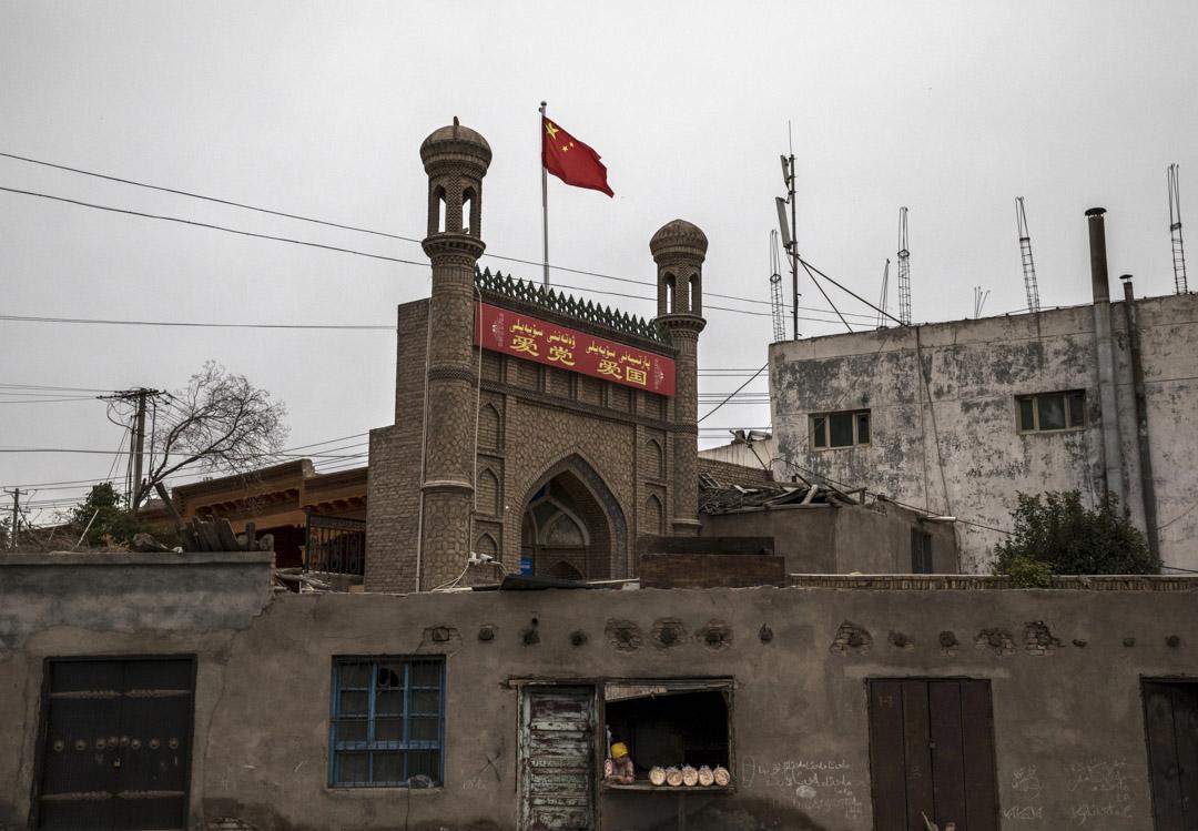 2017年6月28日,中國新疆西部的喀什老城區,一座清真寺。