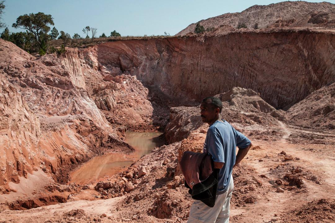 2016年馬達加斯加,因中資煤礦公司採礦而被破壞的土地。