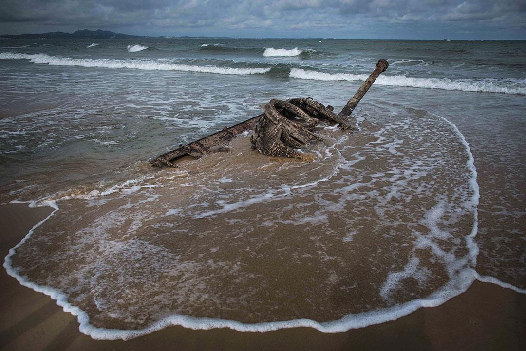 八二三砲戰六十年,金門海邊的戰時遺跡。