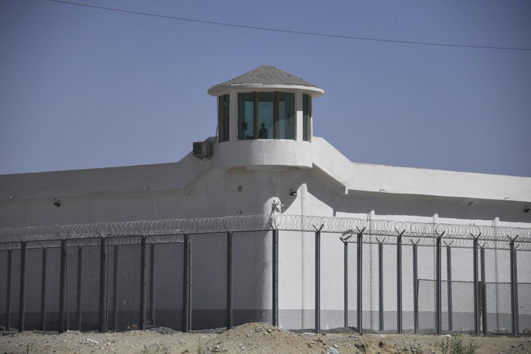 2019年5月31日,中國西北新疆地區和田市郊一處安全設施上眺望塔,該設施被認為是再教育營的附近地方。
