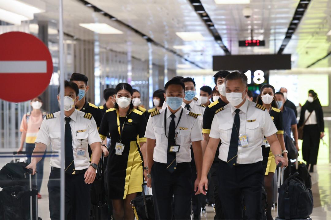 2020年1月30日,新加坡赴武漢撤僑航班機組人員抵達新加坡樟宜國際機場。 攝:Roslan Rahman/Getty Images