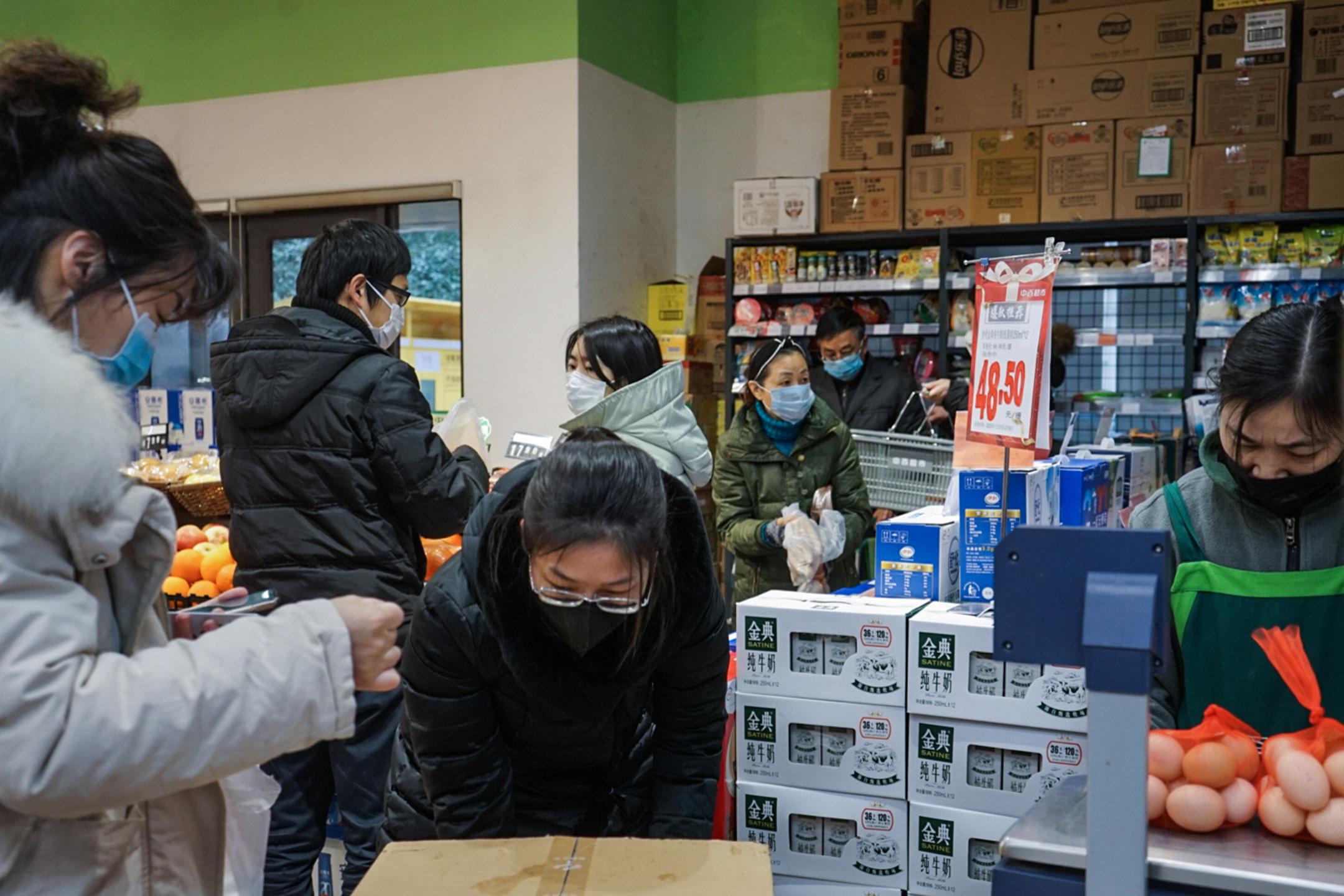 2020年1月23日,武漢的超市。 攝:王丹妮/端傳媒