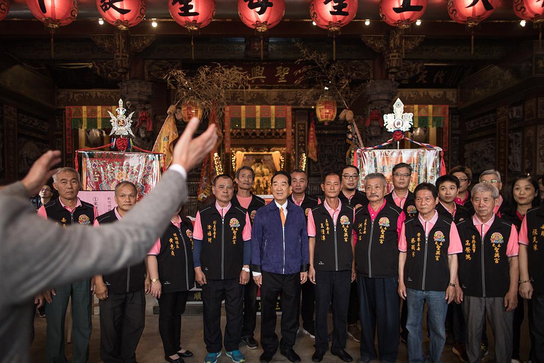 2019年12月21日,宋楚瑜到嘉義的宮廟參拜。