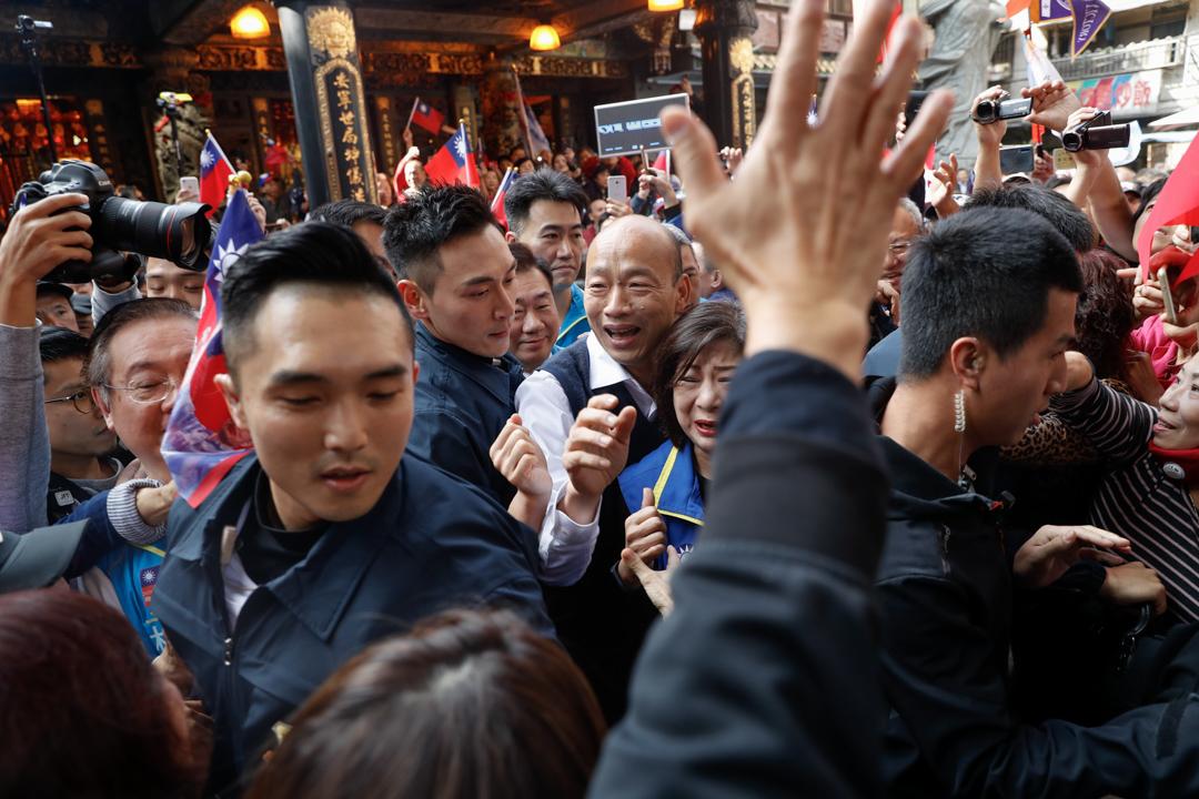 2020年1月7日,韓國瑜陪同立委候選人宋瑋莉參拜基隆慶安宮。