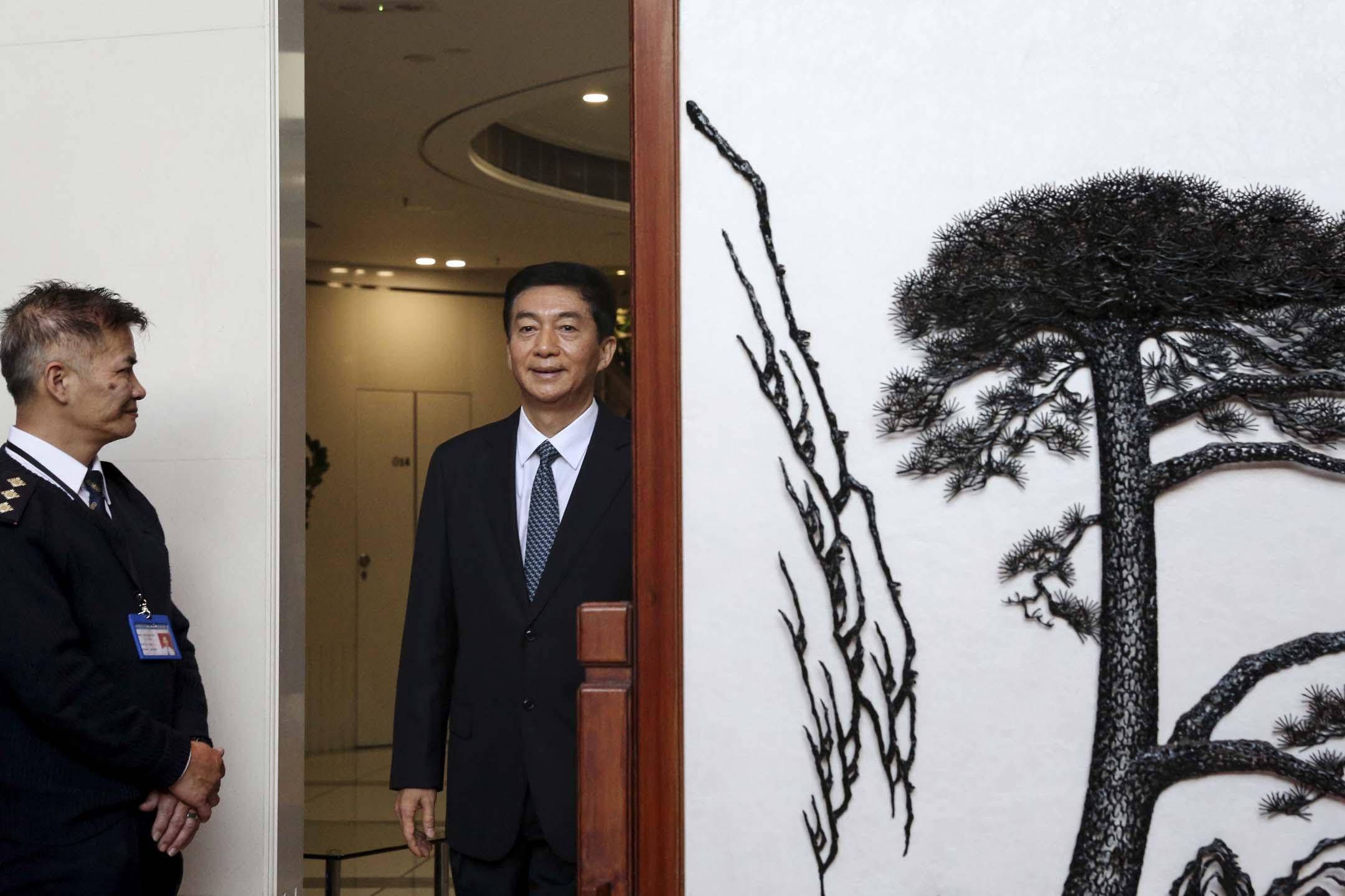 2020年1月6日,中聯辦主任駱惠寧履新,於早上10時半現身會見傳媒。 圖:端傳媒