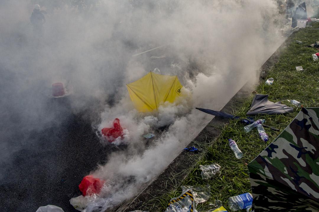 2019年8月5日,大埔示威者在催淚煙中。