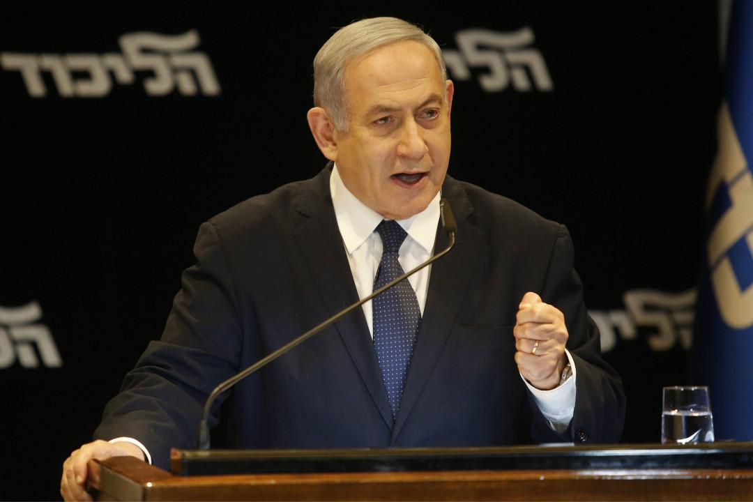 2019年1月1日,以色列總理內塔尼亞胡(Benjamin Netanyahu)在記者會上講話,決定向國會提出免於起訴請求。 攝:Gil Cohen-Magen/Getty Images