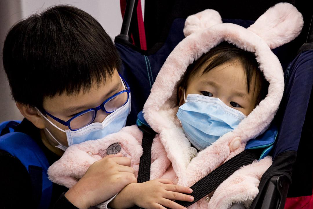 2020年1月23日,香港高鐵西九龍站大部分旅客都戴上口罩。
