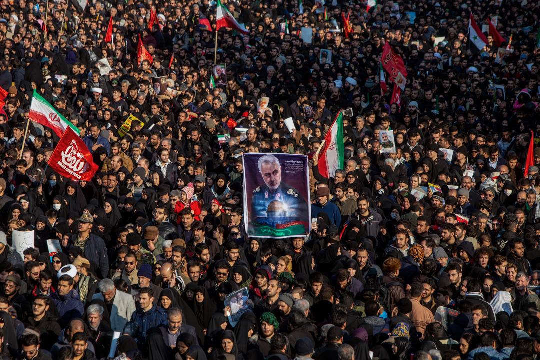 2020年1月6日,伊朗民眾上街出席被美軍刺殺的聖城軍總司令蘇萊曼尼的喪禮。