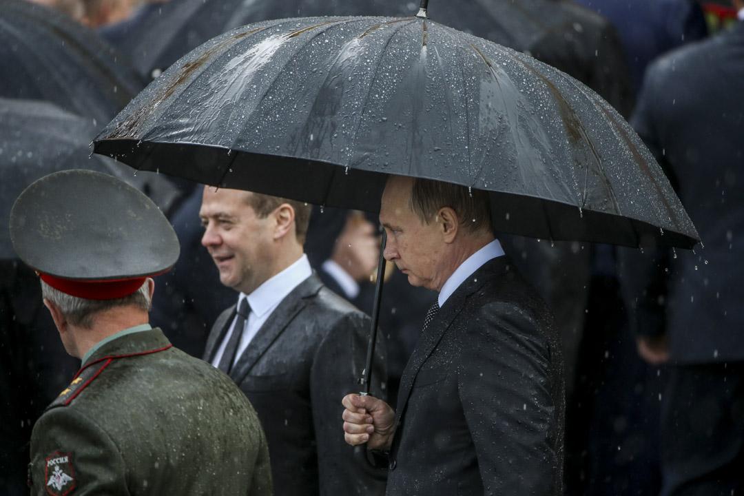 2017年6月22日,俄羅斯總統普京和總理梅德韋傑夫在莫斯科出席無名英雄墓獻花儀式。
