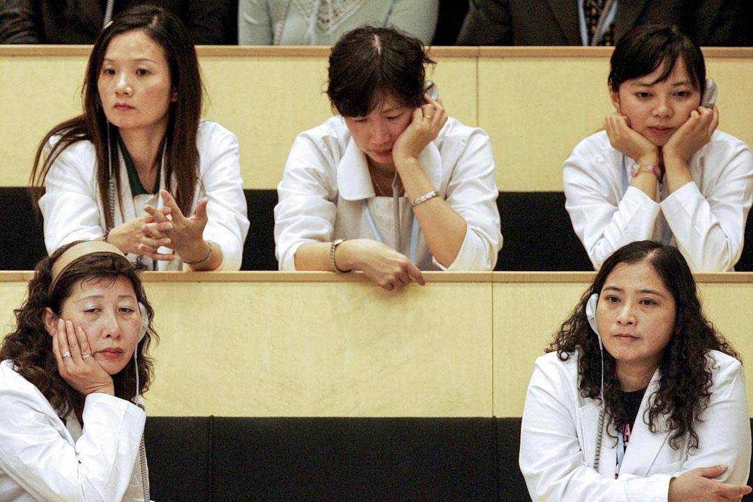 2007年5月14日,一群來自台灣的示威者到瑞士日內瓦出席世界衛生組織年度會議的開幕。