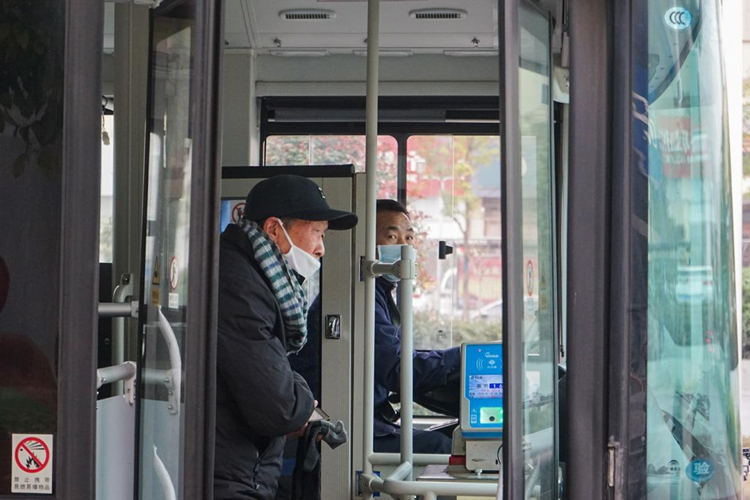 2020年1月23日,武漢的公共汽車。