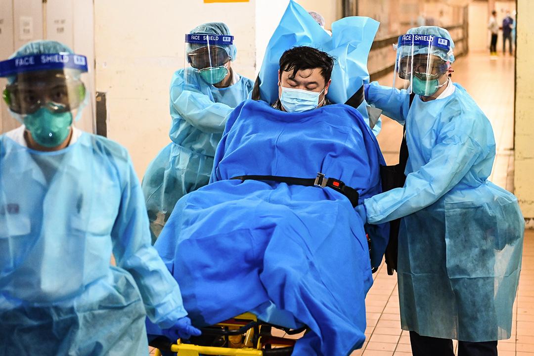 2020年1月22日,香港第一名對新型冠狀病毒測試呈陽性反應的患者,正等待覆檢結果,該患者已被轉送醫院。  圖:端傳媒