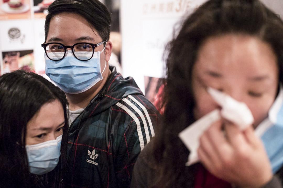 2020年1月24日,香港街上有不少人都戴上口罩保護自己。