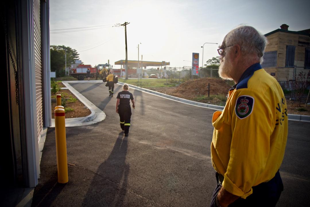消防志工組織「郊區防火組織」(Rural Fire Service)準備出勤。