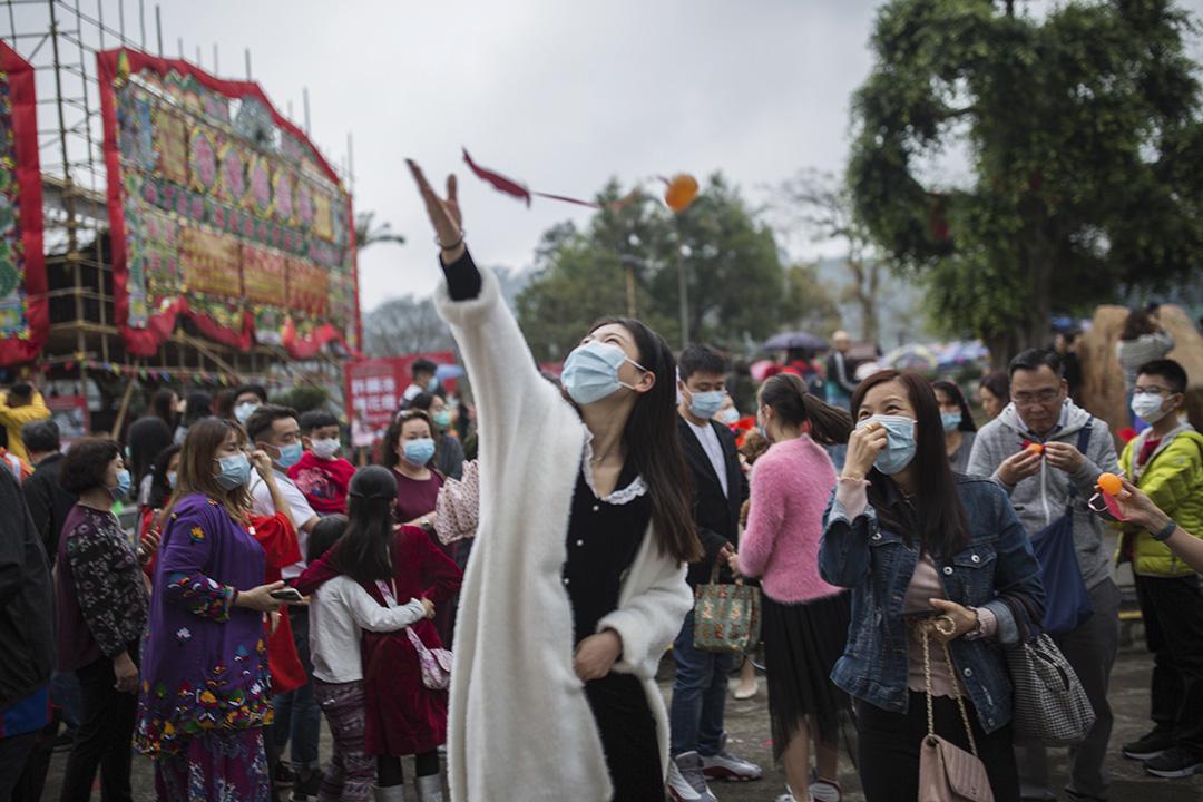 2020年1月25日大埔林村,市民在林村許願樹許願。