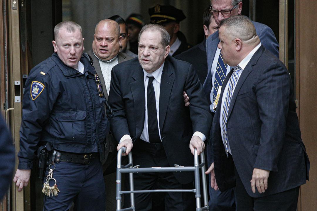 2020年1月6日,哈維溫斯坦(Harvey Weinstein)離開紐約曼哈頓法院。 攝:Kena Betancur / Getty Images
